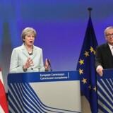 EU vil forhandle om to-årig overgangsordning efter britisk exit. Men vi har vores betingelser, siger Tusk. / AFP PHOTO / EMMANUEL DUNAND