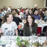 Fællesspisning i Nørrebrohallen under temaet »Danmark spiser sammen«, som skal sætte fokus på ensomhed. Kronprinsesse Mary ankom som hemmelig gæst.