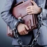 En østjysk revisor risikerer at ryge i fængsel og at miste retten til at udføre sit erhverv, hvis han findes skyldig i en række anklager om bedrageri og medvirken til skattesvig. Free/Colourbox
