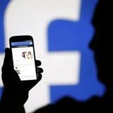 »Det er forfærdende, at en 36-årig mor til en datter, der er blevet chikaneret på nettet, ifølge Berlingske 23/9 selv tilsvines af en flok ubehøvlede drenge organiseret i en modbydelig chikaneforening«