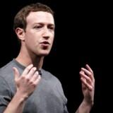 Mark Zuckerberg beklager søndag i britiske aviser et tillidsbrud i forbindelse med salg af personoplysninger.