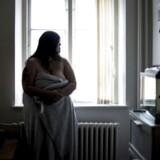 """Jane, der er aktiv på det omdiskuterede site Sugardaters.dk, hvor hun er sammen mænd, der giver hende penge og gaver. Hun kalder det selv for """"grænseprostitution""""."""