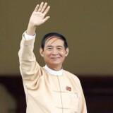 ARKIVFOTO: Win Myint er som forgængeren en trofast støtte af Aung San Suu Kyi, som er landets de facto-leder. Han er også fra regeringspartiet Den Nationale Liga for Demokrati (NLD).