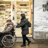 På Øresunds Apotek på Ydre Østerbro er de glade for at høre, at apoteker muligvis vil få lov til at udskrive receptpligtig medicin uden en læges tilladelse i fremtiden.