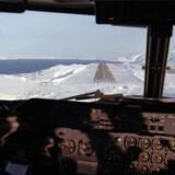 Indflyvning til den nuværende lufthavn i Nuuk. FOTO: Bjarke Ørsted