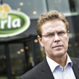 Peder Tuborgh, direktør for mejerigiganten Arla, advarer om mangel på fløde og smør.
