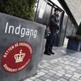 Mandagens grundlovsforhør i Retten på Frederiksberg er foregået bag lukkede døre af hensyn til den videre efterforskning, oplyser anklager Signe Egsgaard.