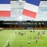 Det Dansk-Franske Handelskammer arrangerer fodboldturnering på Right to Dream Park i Farum, hvor danskere og franskmænd efterfølgende ser kampen sammen.