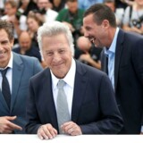 Skuespillerne Ben Stiller, Dustin Hoffman og Adam Sandler i veloplagt form efter visningen af Netflix-filmen »The Meyerowitz Stories (New and Selected)« på Cannes-festivalen. / AFP PHOTO / Valery HACHE