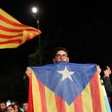 Massivt ja til selvstændighed ved søndagens forfatningsstridige folkeafstemning i Catalonien. Regionens præsident åbner for løsrivelse fra Spanien.