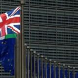 Når Union Jack ikke længere hænger foran EU-Kommissionen skal der findes en løsning på det budgethul, briterne efterlader sig. Og det bliver svært. AFP PHOTO / JOHN THYS