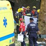 Redningstjenesterne i Maderia har endnu ikke kommenteret ulykken, men ventes at offentliggøre flere detaljer senere på dagen.
