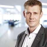 Den aarhusianske rigmand Henrik Lind d fortsætter som topchef i mindst 12 måneder efter, at handlen er afsluttet.