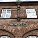 Ringkjøbing Landbobank får sænket anbefalingen af Handelsbanken til »reducer« fra »akkumuler«, skriver Bloomberg News torsdag morgen.