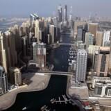 Et billede taget fra den ikoniske skyskraber Burj Khalifa i Dubai.