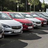 Afgifter på personbiler skæve i forhold til samfundsmæssige omkostninger, lyder det i miljø-økonomisk rapport.