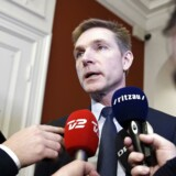 DF formand Kristian Thulesen Dahl taler med journalister på Christiansborg efter statsministerens pressemøde tirsdag den 9. januar 2018.(Foto: Liselotte Sabroe/Scanpix 2018)