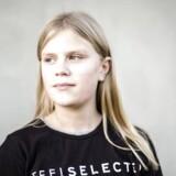 Pernille Bloch Sørensen på 12 år skal efter sommerferien flytte til en folkeskole i nabokommunen, da hun ellers, ifølge Hadersklev kommunes plan, kommer til at have 14 km til skole hver morgen.