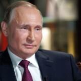 »Jeg har aldrig ændret forfatningen. Jeg har ikke ændret noget, fordi det passer mig, og det har jeg heller ingen planer om i dag«, siger Putin.