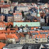 BMINTERN - Aarhus midtby med Vestergade og Vor Frue Kirke. I baggrunden Øgade-kvarteret og Aarhus Universitets gule bygninger.