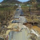 Puerto Ricos guvernør beordrer en tilbundsgående undersøgelse af alle dødsfald i forbindelse med orkanen.