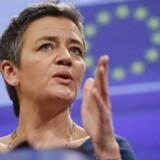 EUs konkurrencekommissær, Margrethe Vestager, har stærkt fokus på, at sammenlægning af europæiske teleselskaber ikke går ud over konkurrencen, så priserne stiger. Arkivfoto: Olivier Hoslet, EPA/Scanpix