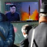 Nordkoreas seneste missiltest vækker nervøsitet i nabolandet Sydkorea, hvor testen var topnyhed i de lokale medier. EPA/KIM HEE-CHUL