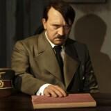 Det vil være forkert, skriver Timothy Snyder, blot at se Hitler som en nationalist, der bare var lidt mere nationalistisk end andre. Eller som en jødehader, der bare hadede jøder lidt mere end andre. Nej, siger Timothy Snyder, Adolf Hitler var en radikal visionær og naturtænker i den betydning, at han ønskede en ny darwinistisk verdensorden.
