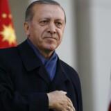 »Dér hvor diktaturer findes, behøver man ikke at have et præsident-system. Her har vi en stemmeboks. Demokratiet får sin magt fra folket. Det er det, vi kalder folkets vilje,« siger Tyrkiets præsident Recep Tayyip Erdogan til CNN.