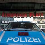 Det tyske politi er massivt til stede ved indkøbscentret Limbecker Platz i det centrale Essen.