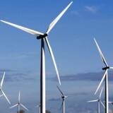 Vindmøller ved Stigs Bjergby fotograferet i 2013. Et flertal af landets byrådskandidater er tilhængere af mere vindkraft i deres kommuner. Alligevel har mange kommuner sat vindmølleprojekter på standby, skriver Ritzau (Foto: Bax Lindhardt/Scanpix 2017)