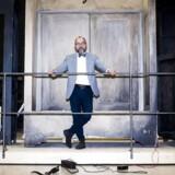 Som ny chef for Malmö Opera ser Michael Bojesen sig ikke som en konkurrent til Den Kongelige Opera i København. »Tværtimod - hvis vi går sammen og peger på de utroligt mange kulturtilbud, vi har her i regionen, vil vi kunne tiltrække et endnu større opera- og musicalelskende internationalt publikum, end vi allerede gør i dag,« siger han.