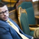 Joachim B. Olsen bebrejder S og DF for Ubers exit.