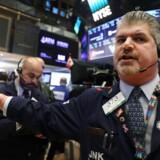 Aktierne i William Demant Holding og Bavarian Nordic tog fredag føringen i det danske eliteindeks, der overordnet var præget af positiv stemning.