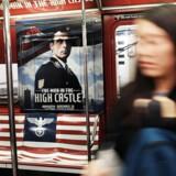 Efter en shitstorm på de sociale medier har Amazon besluttet at fjerne de kontroversielle reklamer fra den undergrundsbane-vogn i New York, som IT-giganten havde plastret til med Nazistiske symboler i forbindele med den nye tv-serie »The Man in the High Castle.