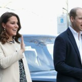 Prins William og Catherine, hertuginde af Cambridge, Parret har i forvejen børnene George og Charlotte, som er henholdsvis fire og to år. AFP PHOTO / POOL / Chris Jackson