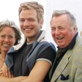 Thomas Vinterberg ved siden af Paprika Steen, Birthe Neumann, Henning Moritzen og Trine Dyrholm ved Cannes-fremvisningen af Festen i 1998.