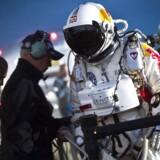 Østrigeren Felix Baumgartner sprang d.25 juli 29 kilometer over jordens overflade i delstaten New Mexico i USA.