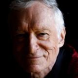 Hugh Hefner, der døde onsdag, 91 år gammel, i sit hjem, det legendariske Playboy Mansion, var efter sigende lykkelig over det, han havde skabt, og det, han havde nået. Savnet af mange, der kendte ham, synes han også allerede at være, savnet også af dem, der havde klædt sig af i hans blad.