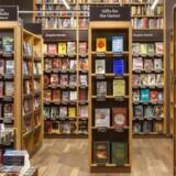Sådan ser der ud i Amazon Books i Seattle, den første fysiske boghandel fra internetgiganten. Foto: Amazon