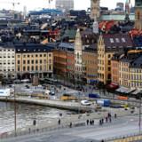 Stockholm og hele Sverige oplever dramatiske fald i boligpriserne. Her Gamla Stan. Foto: Ints Kalnins/Reuters