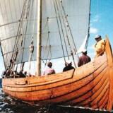 I 1998 sejlede »Snorrii« med besætning fra Grønland til L'Anse aux Meadows som en forsinket 1000års-hyldest af Leif den Lykkeliges færd i 982. Foto: Russel Kaye/EPA