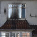 Tyrkiets ambassade i København blev ramt af brandbomber natten til mandag.