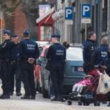 Belgisk politi ransagede i april et nabolag i Etterbeek i Bruxelles. Siden terroranslaget 22. marts har de belgiske myndigheder foretaget en række arrestationer. Foto: Stephanie Lecocq/EPA