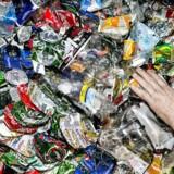 Plastikforurening er et massivt problem, mener Socialdemokratiet, der kommer med forslag til at begrænse det.