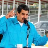 EU indfører for første gang sanktioner mod Venezuela i et forsøg på at lægge pres på præsident Nicolas Maduro og hans styre.