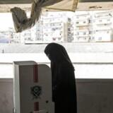 En libanesisk Sunni-muslim i niqab stemmer ved det første parlementsvalg i ni år.