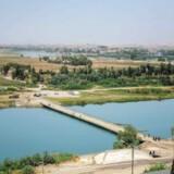 Tigrisfloden set fra Nineveh International Hotel i Mosul. Floden går igennem byen, og det er forelydende om at jihadister har kastet sig i den, for at flygte fra de indtrængende irakiske specialstyrker.