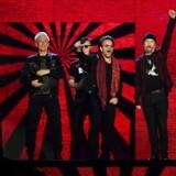 U2 - ude med studiealbum nr. 14.