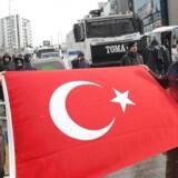 Tyrkiets præsident Erdogan er på kollisionskurs med EU efter hollandsk beslutning om at nægte tyrkiske ministre at holde valgmøder i Rotterdam.